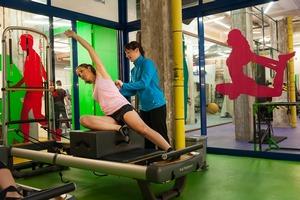 Gimnasio con entrenamientos personales