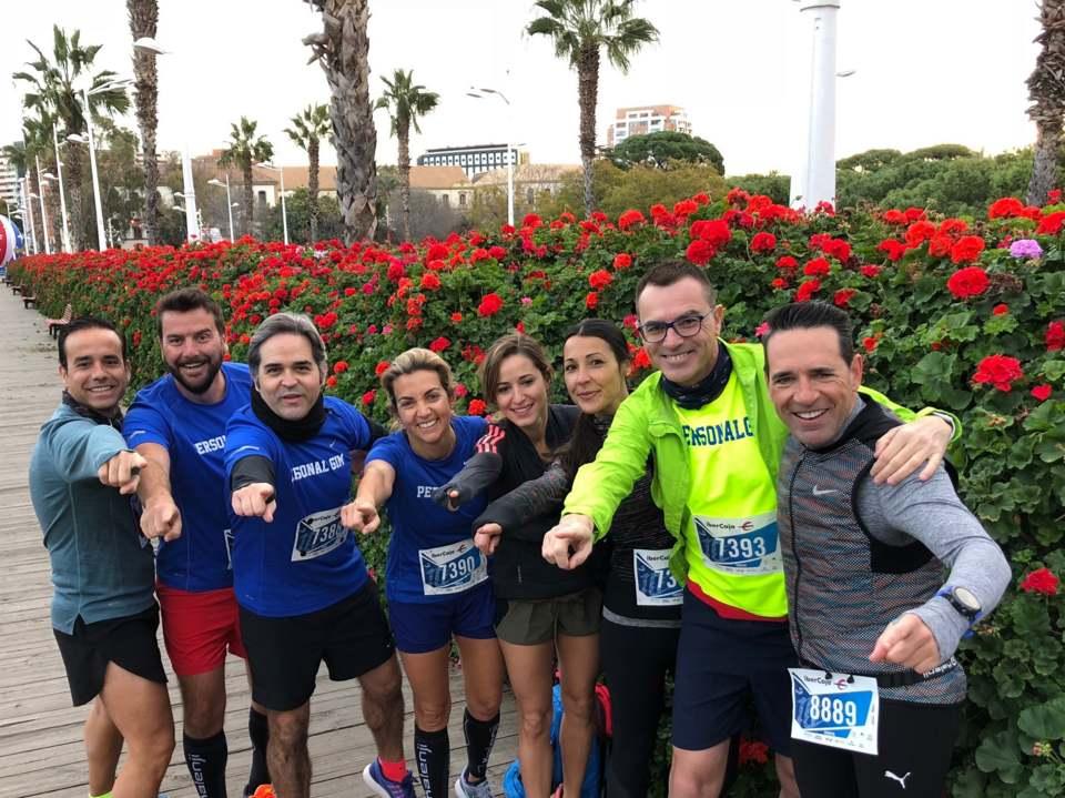 Correr por el río en Valencia. Running en grupo. Valencia ciudad del running